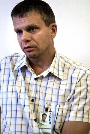 Erbjudande. Vårdenhetschefen Per Lindberg förklarar att sjukhuset tidigare haft lika unga sommarvikarier. - Det är två-tre år sedan nu. Mycket beror på budgeten, nu finns det tillräckligt med utrymme, säger han.