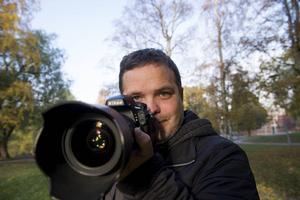 Pär Olert arbetar i dag som fotograf, han varierar porträttfotograferingar med att dokumentera hus som är till salu och olika sportfotouppdrag.
