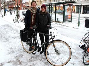 Johanna Eklöf och Emil Börner ska cykla jorden runt. Resan kommer att ta cirka 3 år, om allting går som planerat.