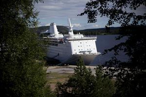 Kryssningsfartyget Ocean gala vid hamnen i Utansjö.