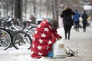 Vi kan inte utrota fattigdom med tiggeri men knappast inte heller med tiggeriförbud.