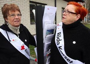 Röda Korset i Krokoms kommun har nära 1 200 medlemmar. Barbro Erlandsson och Solvig Ljusterdal är mycket aktiva medlemmar.