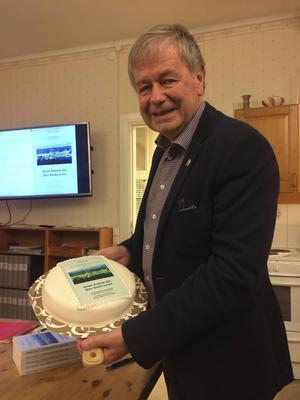 Håkan Larsson har skrivit en ny bok om Centerpartiets historia.