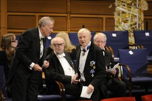 Några medlemmar i Svenska Akademien i konserthuset i Stockholm inför förra årets Nobelprisutdelning.