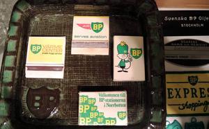 BP-prylar finns i form av både gamla tändsticksaskar och askfat.
