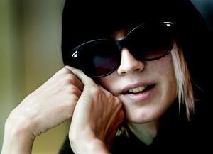 Yohio tycker att hans bidrag till Melodifestivalen 2014 känns mer honom. Nu tävlar han i den första deltävlingen i Malmö.