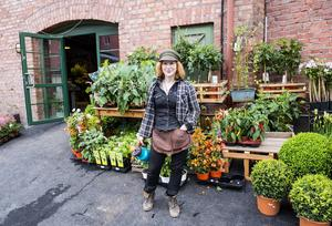 Erika Henrikssons nya blomsterbutik Herbanist studios är nu öppnad.