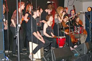 Konservatoriets spelmanslag blandar folkmusik, jazz och konstmusik med finess. Foto: Lennart Cromnow