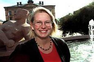 Arkivbild. Garvad.  Kommunskandalerna i Gävle 1996 gav vänsterpartiets nuvarande partisekreterare Pernilla Zethraeus inblick  i krishantering. - Jag var inte i skandalpartiet, men jag tillhörde ju ändå kommunens krets av heltidspolitiker och följde det hela på nära håll, säger hon.