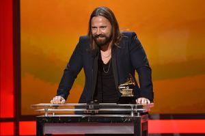 Karl Martin Sandberg, mer känd som Max Martin, toppar listan över de  svenska 100 artister, låtskrivare och producenter vars bolag gjorde de största vinsterna 2015.