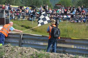 Discovery var på plats för att göra ett program folkrace, en nordisk – och framför allt svensk – motorsportgren, som av omvärlden ses som