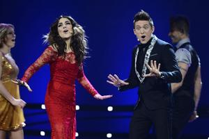 Gina Dirawi och Danny Saucedo var programledare för Melodifestivalen 2013.