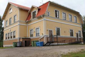 Beslutet om att inte godkänna Voxnabruks skola som friskola slog ner som en bomb i Voxnabruk på torsdagen. Styrelsen hade inte sett beslutet.