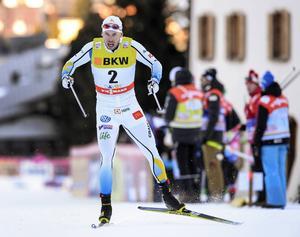 Emil Jönsson och Oskar Svensson är de enda svenska herrarna som tagit sig vidare i sprinten.