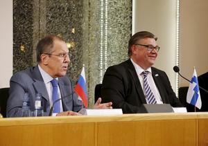 Sergej Lavrov och Timo Soini i Uleåborg för ett år sedan.