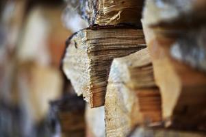 Yxan var i tusentals år människans viktigaste redskap. I dag snarare en statussymbol efter att motorsågen tagit platsen som det viktigaste redskapet i vedanskaffningen.Foto: Anders Wiklund/Scanpix