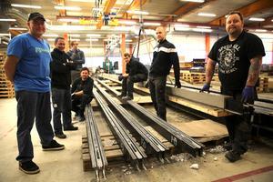 Fabriken i Östnor, Mora. Jocke Linder, projektledare, vd Johan Frost, Magnus Stenberg, Alexander Svensson, Robin Sandqvist, Johan Starell och Johan Böl.