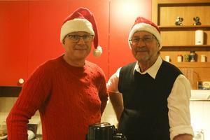 Anders Pettersson och Janne Trana stod för caféverksamheten.