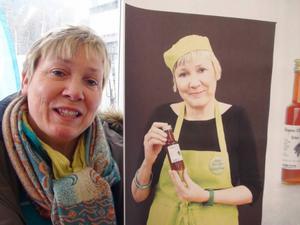 Gransirapssnaps, det är gott det. Eva Magnusson har redan fått motta flera priser för sin goda dryck. Nu hoppas hon att flera få upp ögonen för hennes snaps.