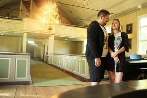 Patrik Almén och Sandra Lindberg från Sandviken hittade varandra snabbt och på lördag 30 juli gifter de sig i Högbo kyrka.