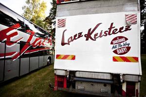 I turnébussen vilade Larz-Kristerz ut medan Black Jack spelade. De har turnérat hela sommaren men efter denna vecka väntar lite ledighet.