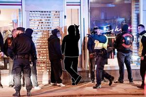 Avhopp. Sedan polisens avhopparverksamhet inleddes tidigare i år har ett tiotal gängmedlemmar hoppat av och börjat nya liv. (OBS: Bilden är ett montage från ett tidigare polisingripande mot gängmedlemmar).