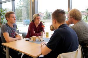 Bror Olsson, Jesper Nordlund, Olof Björklin och Anton Norberg från elprogrammet har inte planerat att driva något UF-företag men tyckte ändå att dagen var lite inspirerande.