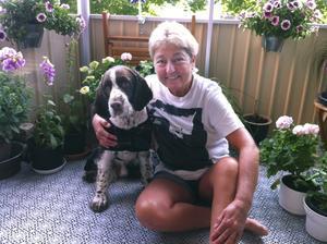 """svampplockare. """"Det roligaste med svampplockning är jakten"""", säger Pia Öhman här med hunden Tyson."""