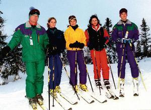 Det har blivit många besök i Storlien under årens lopp. Den här bilden är från januari 1997 och hela kungafamiljen har förevigats i skidbacken.