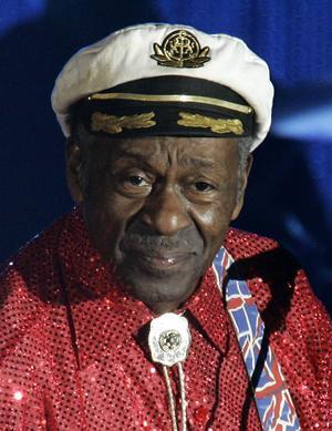 Den 87-årige Chuck Berry är en av rockens pionjärer.   Foto: Lionel Cironneau/AP/TT