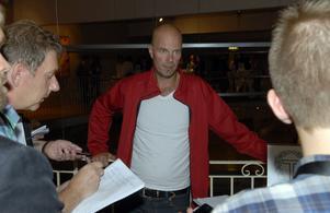 Tingsryds Petter Nilsson vill inte tippa innan nedsläpp utan tror att pengarna avgör.
