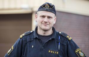 Poliser i länet som vill delta i manifestationen i Stockholm får resan betald av Polisförbundet Västernorrland, berättar Johan Dyrander.