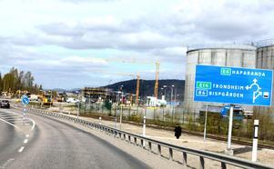 Idag leds E14-trafikanterna in på Björneborgsgatan från E4. Men vad som händer efter E4-bygget är alltså oklart.