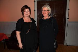 Mera bankbesökare, den här gången Anette Jonsson och Lena Edholm, Handelsbanken.