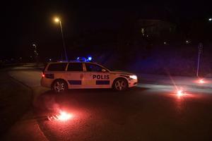 Polisen har gripit en misstänkt man i Märsta på fredagskvällen. Mannen misstänks vara inblandad i händelsen på Drottninggatan där lastbil mejande ner flera personer. Fyra personer har dödats och 15 personer är skadade.