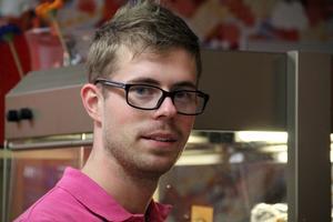 – Jag har alltid tyckt om att hålla på med mat. Jag skulle bli kock. Det fanns inte så många andra yrkesval. Det var jag säker på, säger Christoffer.