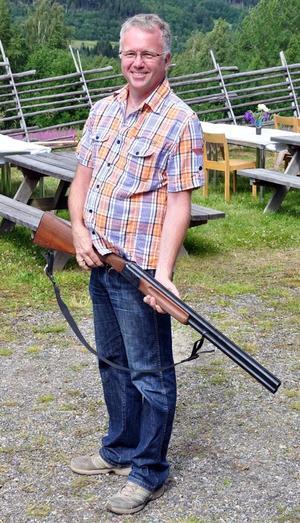 Hans Larsson, Hoo, sköt kalasstartskott med sin ägandes älgstudsare.