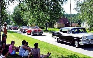 Flera nostalgibilar passade på att visa upp sig.FOTO: MAJVOR NILSSON