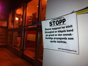 Hudiksvalls Tidning utsattes för en aktion av Svenskarnas parti i november i fjol.