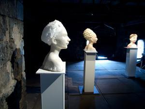 Skulpturer av Hanna Beling.