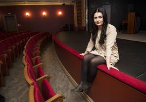 Elin Nilsson har vuxit upp inom teatern men nu har politiken tagit över engagemanget.