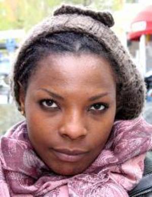 Joseline Umutesi, 20 år, Torvalla:– Ja, det är klart att jag är. Men jag fattar inte så mycket av det, därför ska jag inte rösta. Jag väntar till nästa gång det är val.