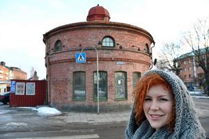 Den här delen av den gamla brandstationen ska bli Erika Henrikssons nya butik, med bland annat design, trädgård, och verkstad.