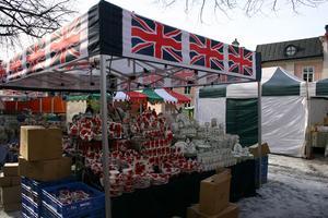 Brittiskt finporslin till salu. FOTO: HANNA OSCARSSON