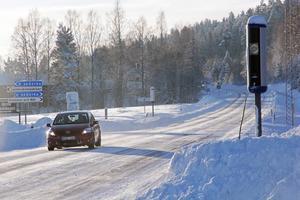 Väg 83/84 genom inre Hälsingland är den kortaste vägen mellan kusten och fjällvärlden i Härjedalen.