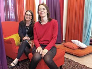 Elin Folkesson och Karin Forsgren Anderung driver verksamheten i Litteraturhuset Trampolin.