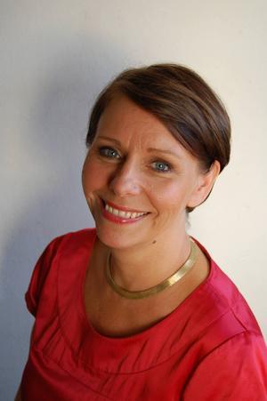Jenny Klefbom, psykolog, specialiserad på barn och ungdomar, tycker att det är viktigt att prata om vad orden gör med oss, hur ett