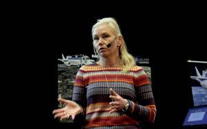 Infrastrukturministern Anna Johansson talade på ett seminarium om logisitik.