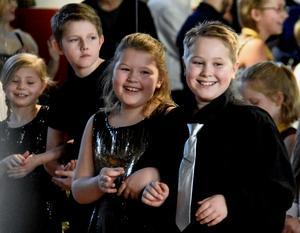 Nellie Olofsson, 10 och Liam Fredriksson, 11 vann buggtävlingen i barnklassen.