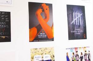 Grund-och gymnasieskolorna i Jämtland har klassvis eller enskilt tävlat om vem som kan göra en bild på temat hiv/aids som ska användas i informationssyfte i sjukvården. Bilden med händerna kom på andra plats.